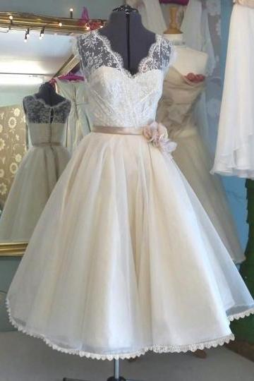 V-Neck Flower Sash Tulle Lace Tea-Length Wedding Dress