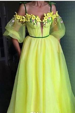 Spaghetti Neckline Sheer Puff Sleeves Boned Bodice Sweep Train Handmade Flowers Party Prom Gowns